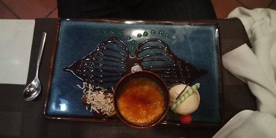 Comida rica y elaborada. Unos 85€/5pers.  El pez gato es su especialidad.
