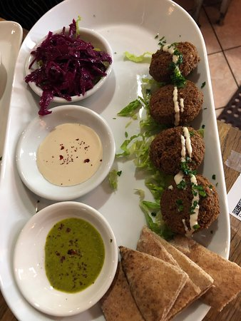 Tamam Fine Palestinian Cuisine: Everything is made daily from scratch.