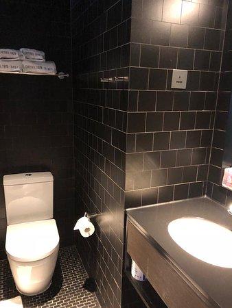 乾淨&簡潔空間設計 性價比很高的酒店