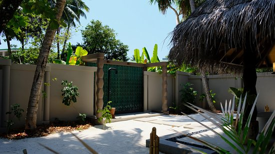 Outdoor Dusche Picture Of Joali Maldives Muravandhoo