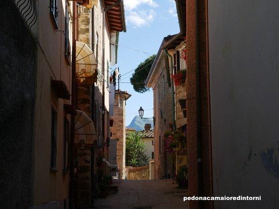 Pedona, איטליה: Scorcio Borgo Pedona - Village Inside