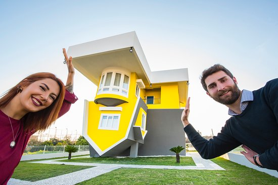 ‪Ters Villa - Upside Down House‬