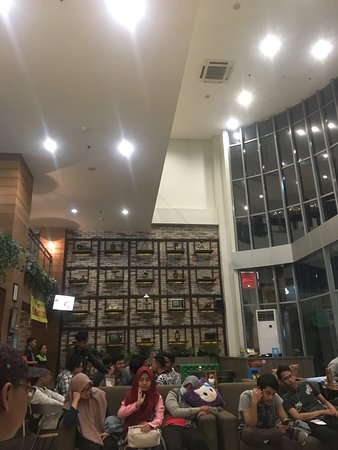 meal time picture of hom hotel simpang lima by horison semarang rh tripadvisor co za