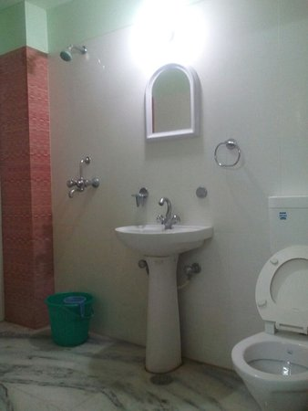 Room's bathroom of Janki Chandra