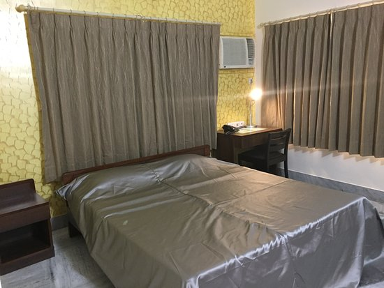 Bidhannagar, Índia: Deluxe Room: Queen Bed
