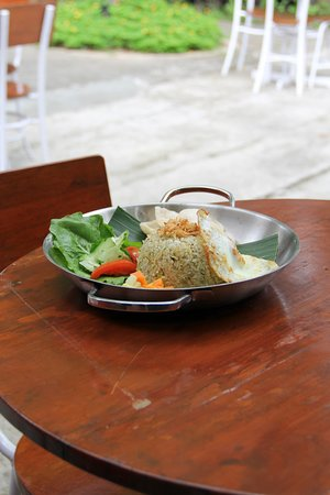 Simple, yummy and makes you want to order one more plate, Nasi Goreng Lombok Ijo.