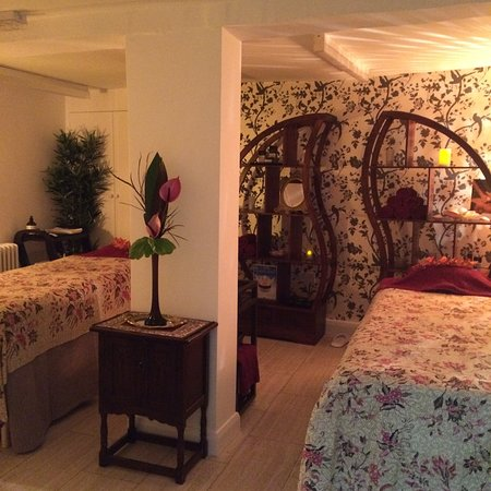 Hemel Hempstead, UK: Thai Temple double suite