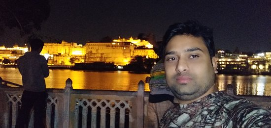 nightview udaipur city palace