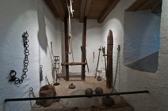 Folterkammer beim Gerichtsaal - erkunden Sie Ihr Schloss Oberberg.