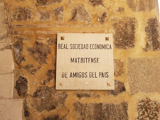 Majestic Madrid Walking Tour: Un cartel haciendo alusión al viejo nombre de Matrit.