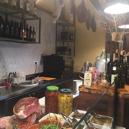 Great Italian food! Te Trippa allá Florentina is excellent!