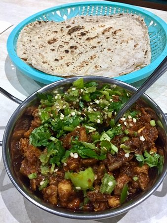 Chicken Karahi (with extra chillis) - Picture of Sultan