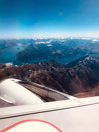 Air New Zealand: Over Lake Wakatipu and approaching Auckland