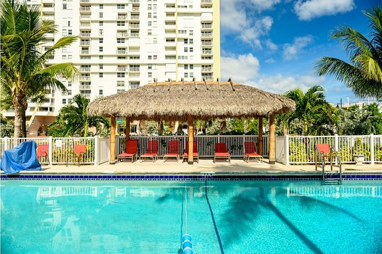 Pool - Picture of Oceans Beach Resort & Suites, Pompano Beach - Tripadvisor