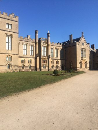 Ravenshead, UK : I love Newstead Abbey - it's the most beautiful, peaceful place around here for miles 😍