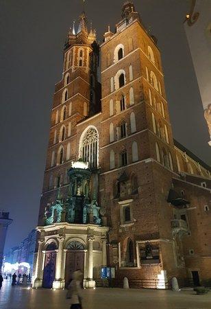 Jomfru Maria Kirke (Kościół Mariacki): Stunning at night