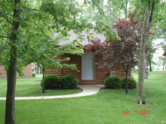 Shannon, IL: Outside view of one of our Luxury Cabins.