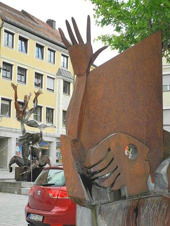Erostischer Brunnen - Peter R. Müller