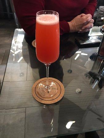 The Vault Wine Lounge: Raspberry mimosa 