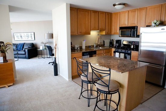 The Penthouse at Grand Plaza: Penthouse 7 Kitchen