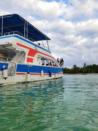 Small-Catamaran Snorkel med Seafood Lunch Kun voksne voksne: At our beautiful swimming stop