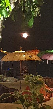 Ayodya Resort Bali: Full moon night