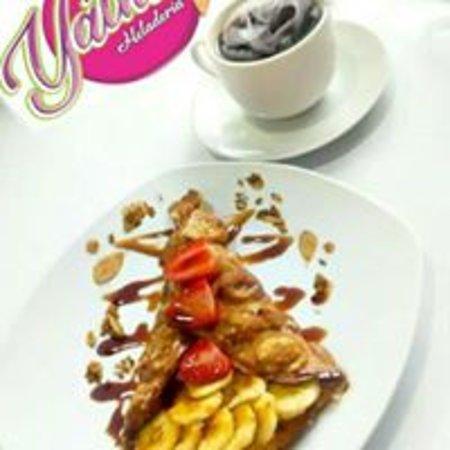 Pucallpa, Peru: sabrosos waffles con frutas y cafes o refrescos ;)  jr sucre 315 a media cuadra de la plaza de armas yatha heladeria