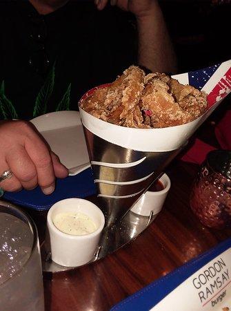 Gordon Ramsay Burger: Order of Onion Rings