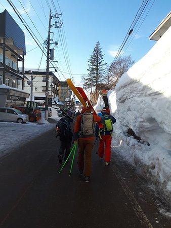 Walking down in Akakura