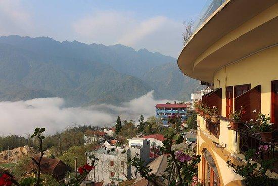 Chau Long Sapa 2 Hotel: view from balcony at Chau Long Sapa Htoel