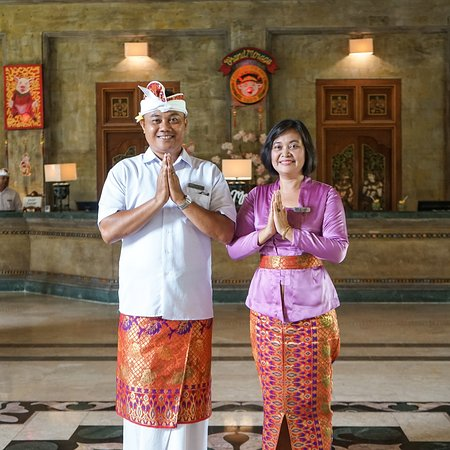 """Bali' government has issued a regulation which called """"Traditional Thursday"""", it is when all the government, school and all officials must wear traditional attire.   It aims to preserve and protect the country's heritage or Balinese culture to be more specific. . Do you like the Balinese way of dressing? Let us know what you think!  www.grandmirage.com"""