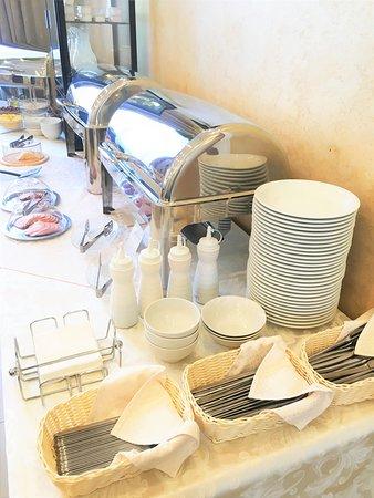 "Завтрак по системе ""шведский стол"""
