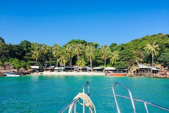 En privat lokal båt til Thoi øyene...