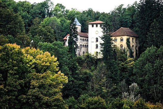 5-day Mystery Castle Tour
