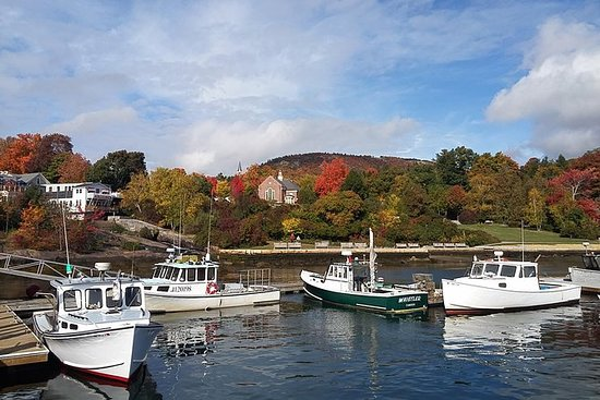 Maine- Lighthouses, Lobster and...