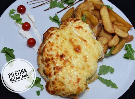 Veliko Gradiste, Sérvia: Piletina melanzana, Kasina kod Ajduka
