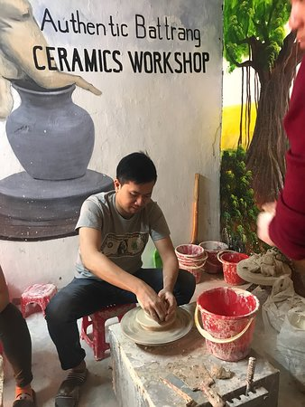 Pottery class made by authentic Bat Trang  make->glaze->fire->finish