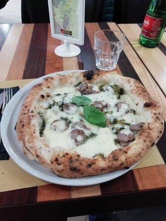 Very good pizzas