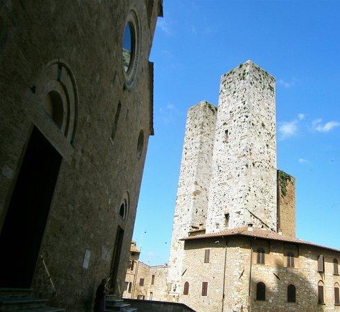 Torre Salvucci Maggiore Residenza D'Epoca