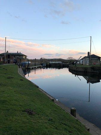 Naburn Locks: Sunrise
