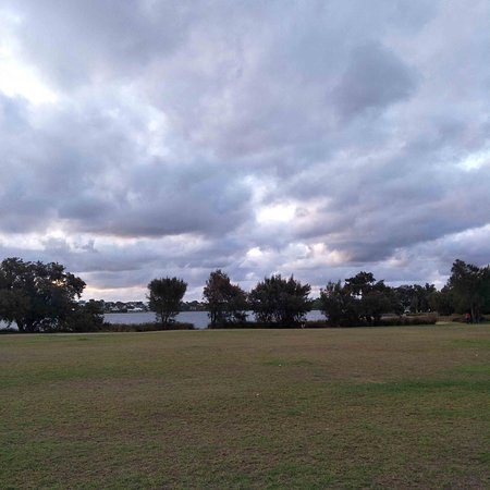Shelley beach park in the evening next to perth CDB