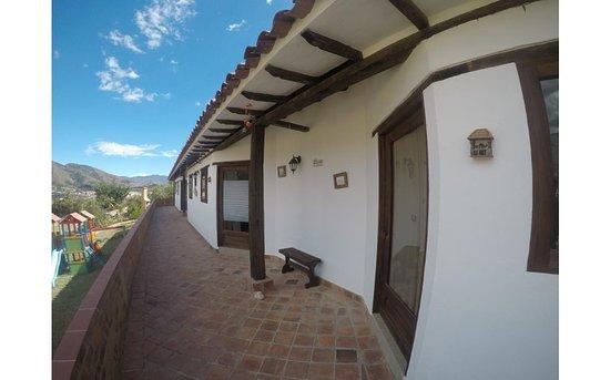 Habitaciones con balcón y hermosa vista al pueblo – Bild från Hotel Luz de Luna Villa de Leyva, Villa de Leyva - Tripadvisor