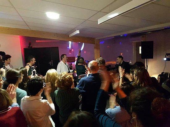 Gelos, Francja: Concert, groupe Super Flux