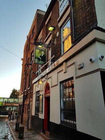 Roscoe Head: Great real ale pub