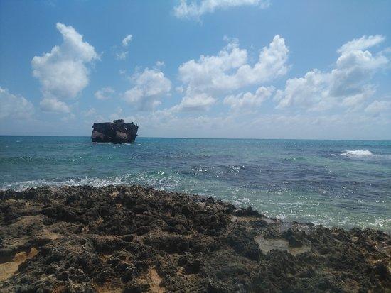Atrás da ilha