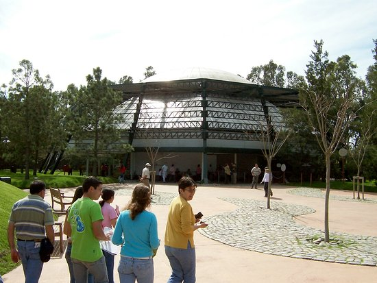 Spring over linjen: Temaiken Biopark Admission Ticket: Cine de 360°