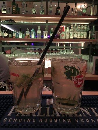 Die Unbelehr-Bar: Long-Drinks