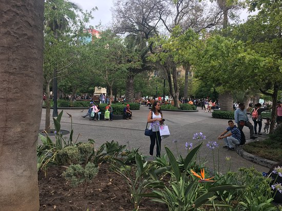 Plaza de Armas: santiago attractions