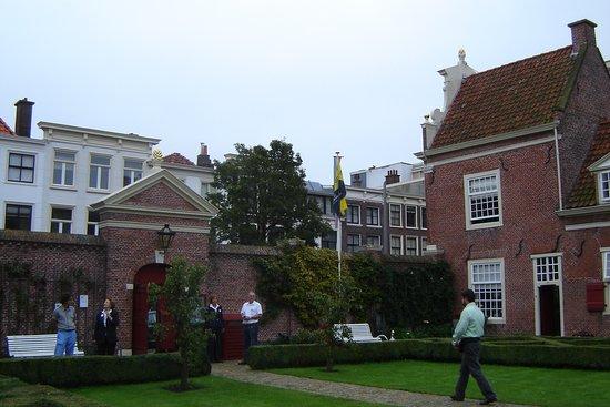 Hofje van Wouw in Den Haag