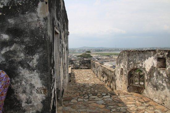 Apam, גאנה: Upper floor. Fort Pateince.